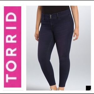 🌵 TORRID JEGGINGS CANDY VIOLET WASH 16 🌵